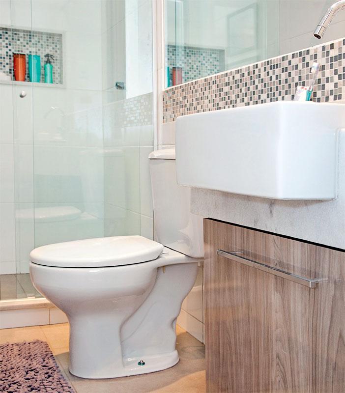 Banheiro pequeno com decoração simples e bonita  Revista das dicasRevista da -> Banheiro Pequeno Com Pastilhas Claras
