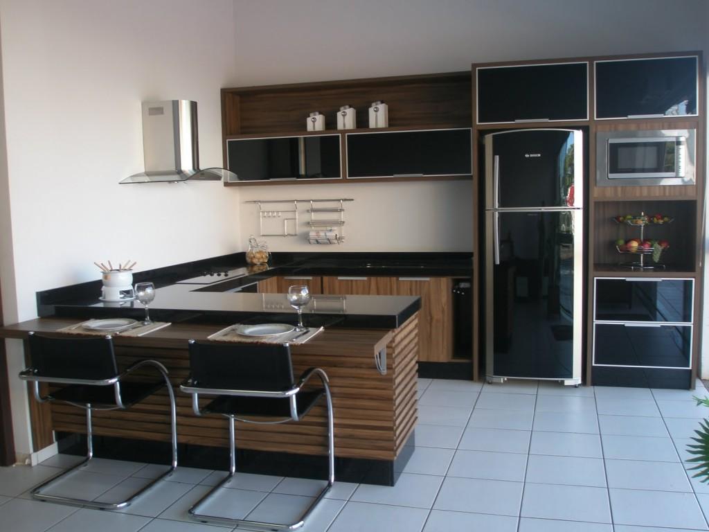 cozinha planejada simples cor escura
