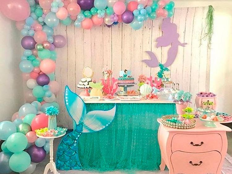 enfeite com balões para festa de criança